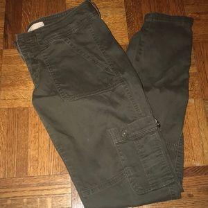 Hollister size 3 cargo pants!🍃🐉